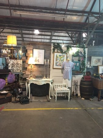 Furniture And Nick Nacks Picture Of Flowood Antique Flea Market