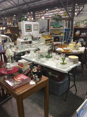 Flowood, MS: and all the collectible glassware