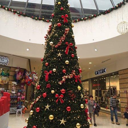 Faiano, Italië: Eventi, concorsi, nuovi negozi... non manca nulla e l'atmosfera del Natale si fa sentire...top👍