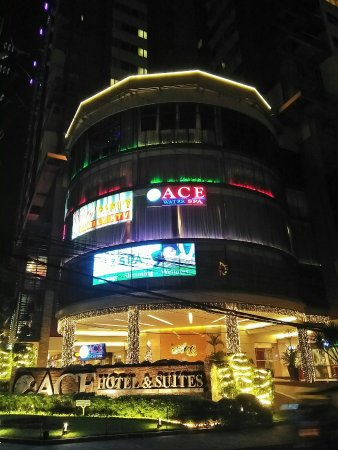 Ace Water Spa: Spa Front