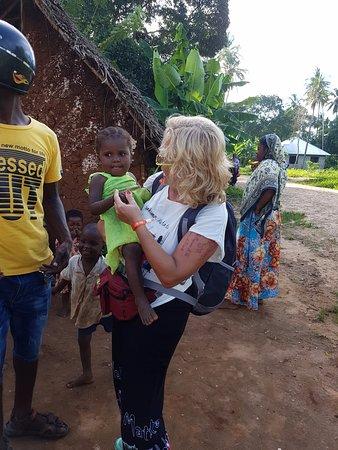 Kiwengwa, Tanzania: Kontakt mit den Kindern
