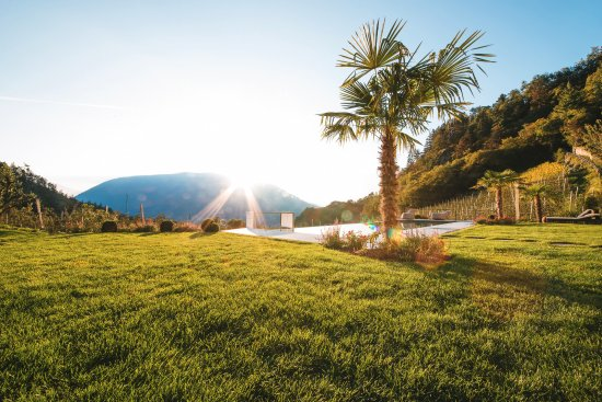 Hotel Kiendl: Sonnenuntergang am Pool
