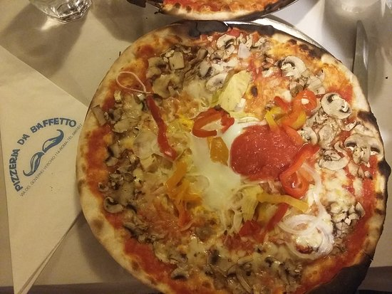 Pizzeria da Baffetto : Pizza de baffetto_large.jpg