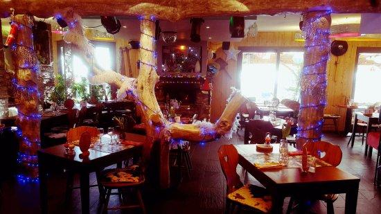 Riom, Frankrig: salle de restaurant