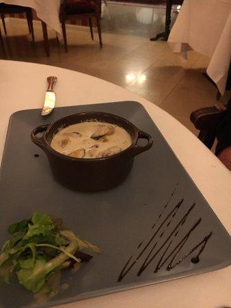 Cricqueboeuf, France: Cocotte de moules à la normande
