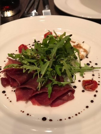 Gobo Upstairs Lounge & Grill: air dried beef, you will fall for this