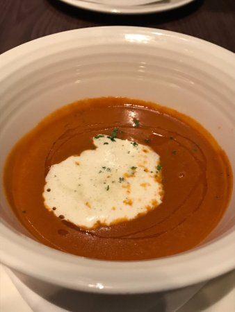 Gobo Upstairs Lounge & Grill: lobster bisque, yummy licious