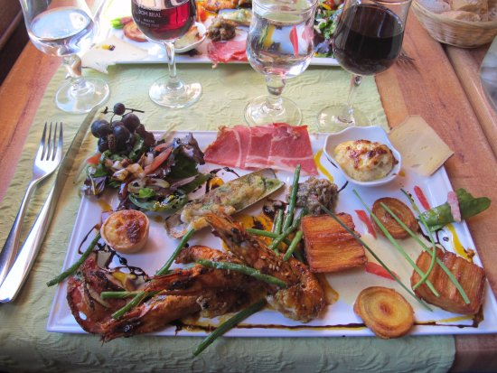 Molitg-les-Bains, France: Chef's plate 2015 with prawns