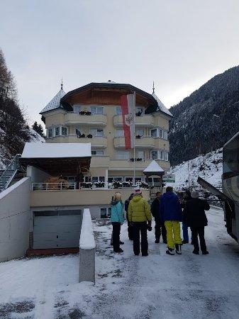 Kappl, Österreich: 20171201_085841_large.jpg