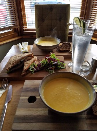 Ballygawley, UK: Butternut squash soup (2) with Guiness wheaten bread and a chicken salad sandwich