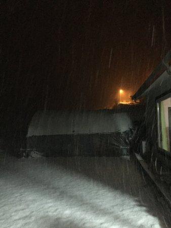 Bandibyeol Pension: Snowy night in a deep mountain