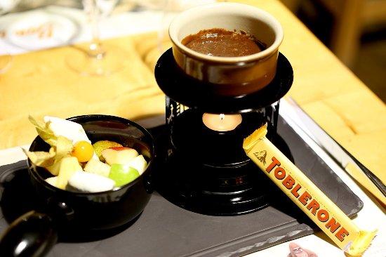 fondue au toblerone foto di la grange besan on tripadvisor. Black Bedroom Furniture Sets. Home Design Ideas