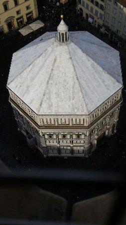 Campanile di Giotto: Battistero visto dal campanile