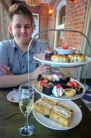 Oswestry, UK: Afternoon Tea (boyfriend not included!)