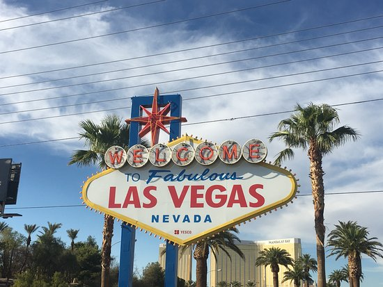 las vegas fabulous sign picture of welcome to fabulous las vegas sign las vegas tripadvisor. Black Bedroom Furniture Sets. Home Design Ideas
