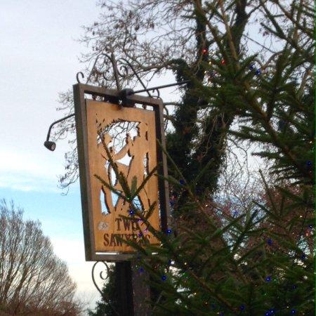 Pett, UK: Two Sawyers