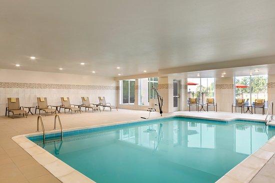 Statesville, NC: Indoor heated salt water pool