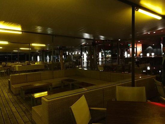 Mole west innen  Neusiedl am See, Mole West: értékelések az étteremről - TripAdvisor