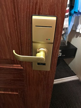 Floridan Palace Hotel: door lock key doesn't stay programmed