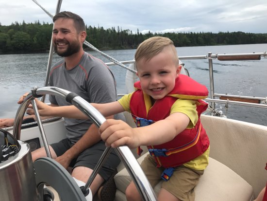 St. Peter's, Canadá: It's never to early to learn to sail.