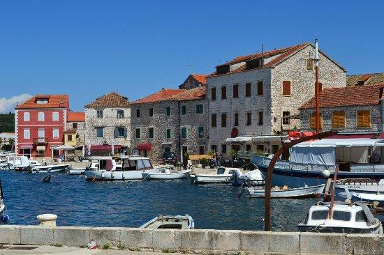 Stari Grad, le port, Ile de HVAR_large.jpg