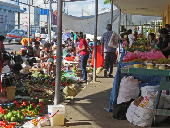 Suva Municipal Market: Local vendors