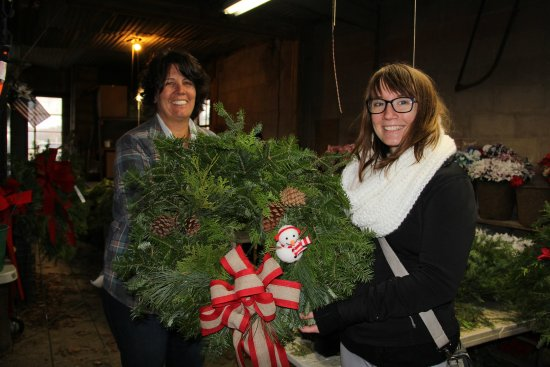 Lapeer, MI: We love smiling customers. Enjoy the wreath!