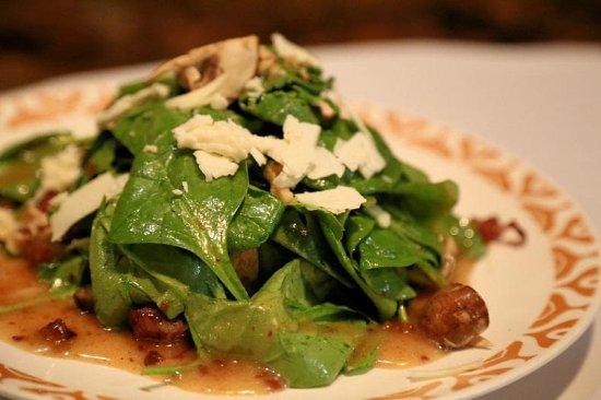 Dalton, GA: Spinach Salad