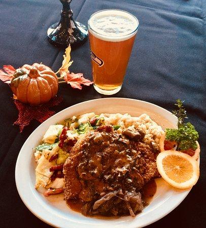 Union, WA: Octoberfest, Schnitzel!