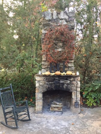 Maryville, TN: Seasonal decorations up at the front fireplace