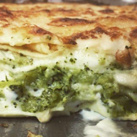 Pasticcio di Crespelle Broccoli e Provola
