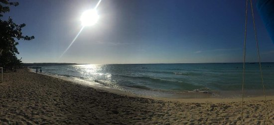 Grand Pineapple Beach Negril : Beach