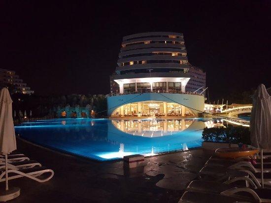 Titanic Beach Lara Hotel: 20170825_213339_large.jpg
