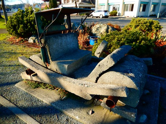 Oak Harbor, WA: Flintstones car