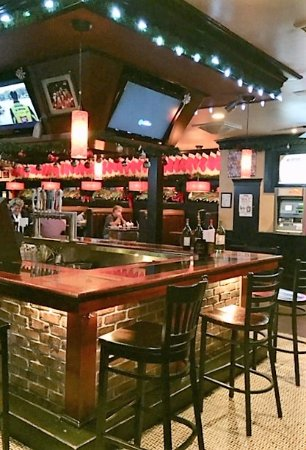 Rockville Centre, NY: short end of the long and large bar