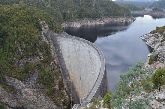 Strathgordon, Avustralya: Gordon River Dam - abseiling site