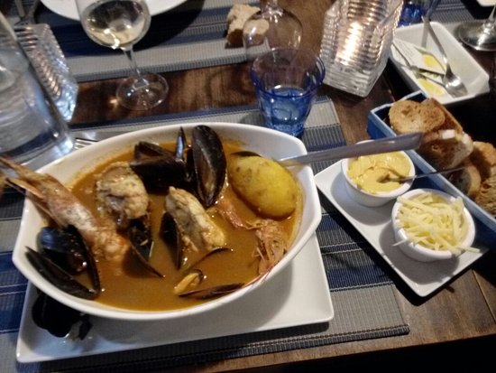 Le petit cabanon marseille restaurant reviews phone number photos tripadvisor - Le petit cabanon marseille ...