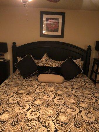 Interior - Picture of Briarwood Lodge at All Seasons Luxury Properties, Eureka Springs - Tripadvisor