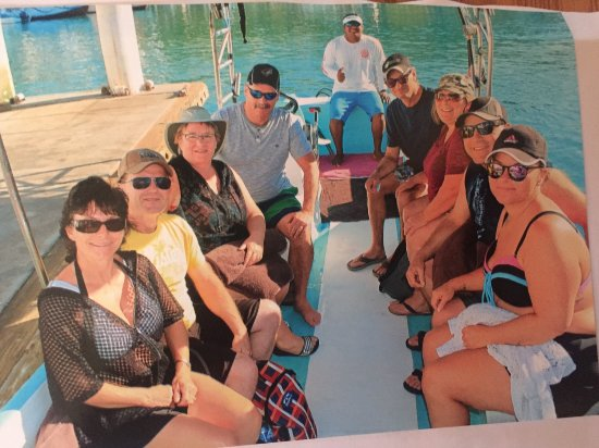 Huatulco Fishing Eduardo: 4 couples with lots of room and shelter from the sun