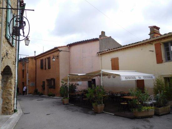 Cucugnan, France: dining outside