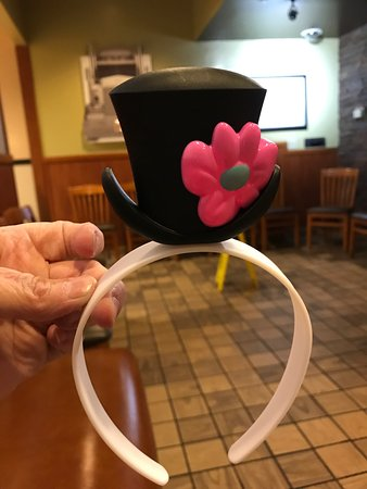 Clive, IA: Frosty kids cups, so cute! Recently remodeled.