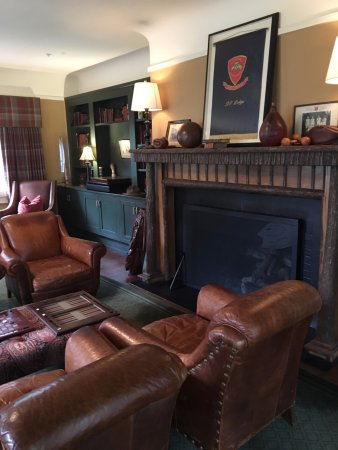 Maryville, TN: Downstairs games and relaxation