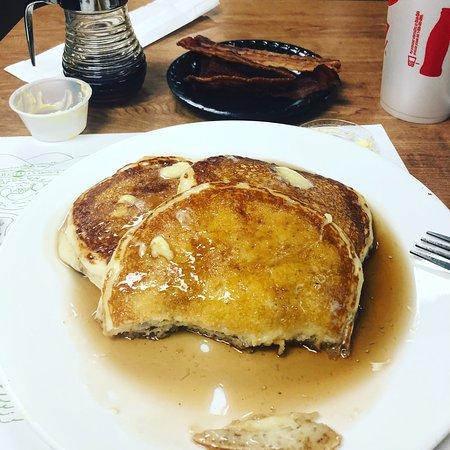 ฮินตัน, เวสต์เวอร์จิเนีย: The pancakes are wonderful