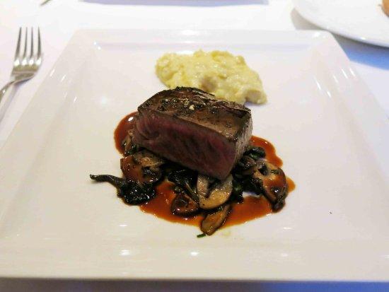 Les Cartes Postales: 牛肉のステーキ