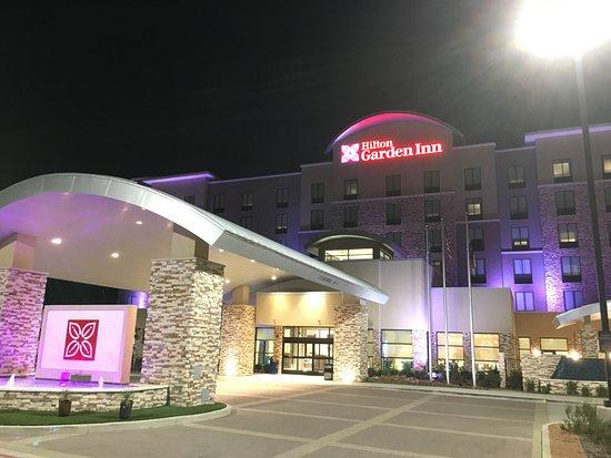 Outside Picture Of Hilton Garden Inn Dallas Arlington
