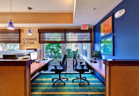 Guest Room Изображение Fairfield Inn Amp Suites Ocala