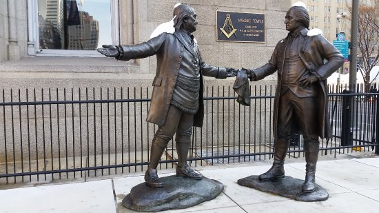 Founding Fathers statue outside Masonic Temple