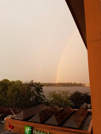 Holiday Inn Kingston - Waterfront: Rainbow