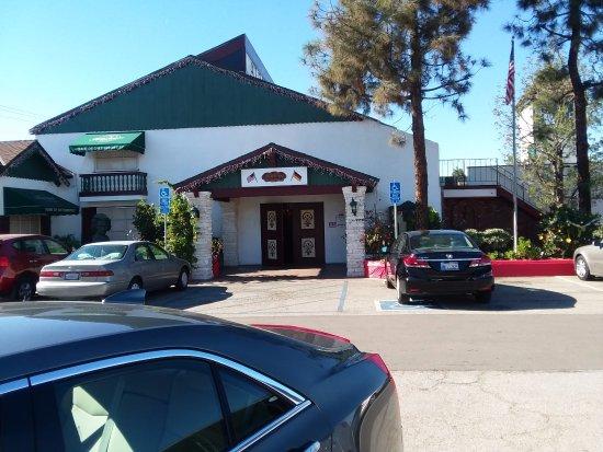 Torrance, Californië: Alpine Village Restaurant