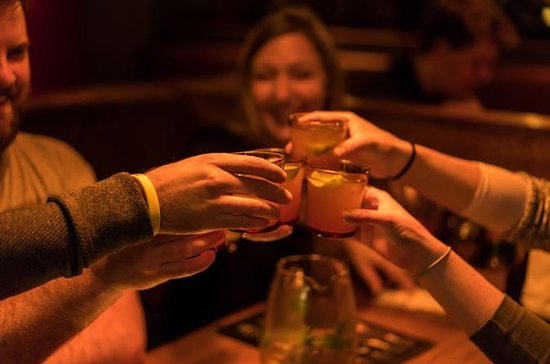 3-Hour Small-Group Melbourne Walking and Bar Tour with Local Guide
